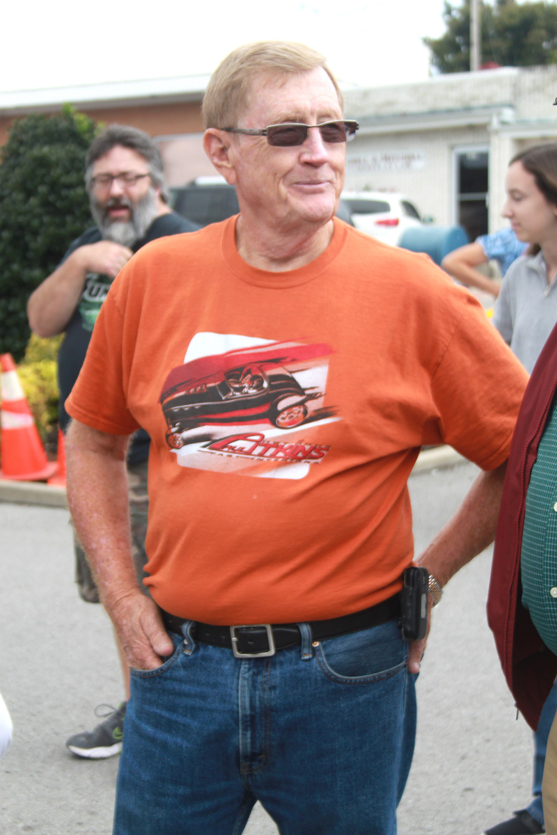 Color of Fall draws crowd | car show, Color of Fall
