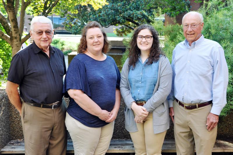 Elizabeth House Receives 4-H Scholarship