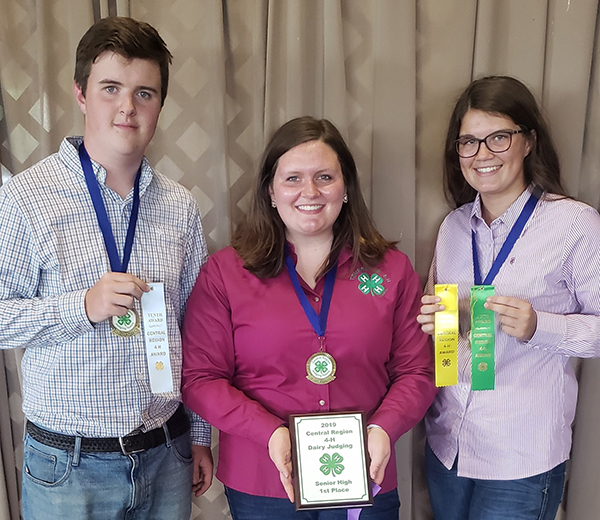 4-H Dairy Judging team places first at regional contest