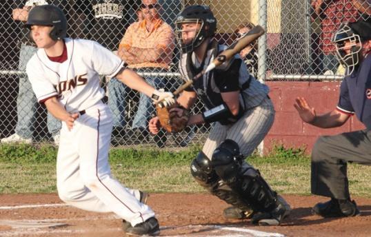 Hot-hitting Vassar on a roll   baseball, Vassar