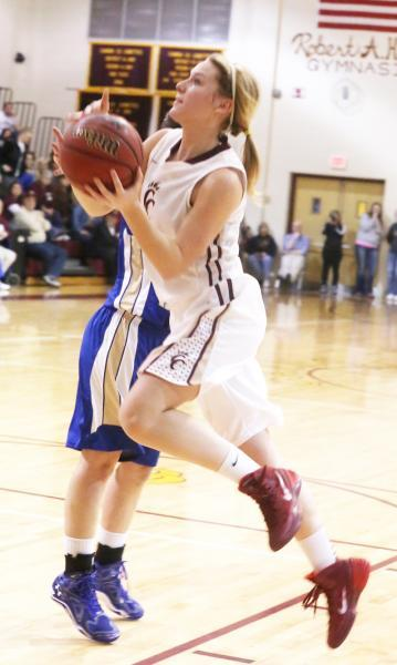 Sissom's 46 leads Lionettes into title game