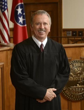 Circuit Court Judge Bragg announces re-election bid