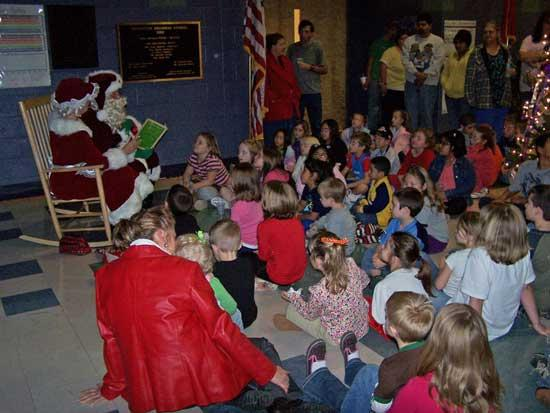 Mr. And Mrs. Claus Highlight Woodbury Grammar Reading Night
