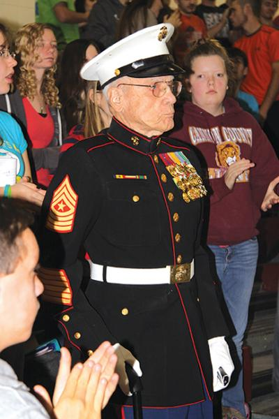 Veterans thanked for their service | Veterans Day 2014