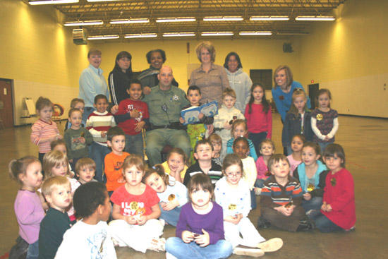 Sheriff's Department Participates In Reading Program At Local Head Start
