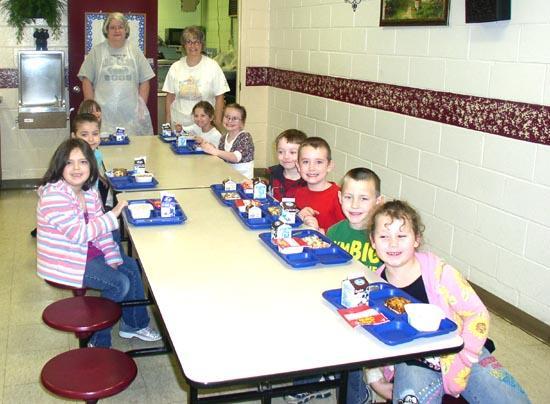 Short Mountain School Thanks Cafeteria Ladies