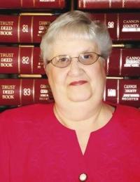 Brenda Mullinax Seeks The Office Of County Trustee