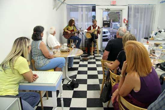 Carnes Bring Hit Parade To Heavenly Café