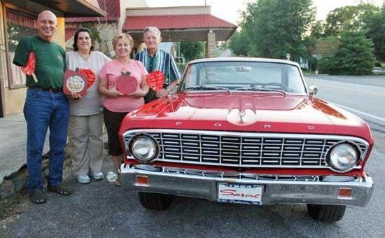 Auburntown Shines During Red Apple Days