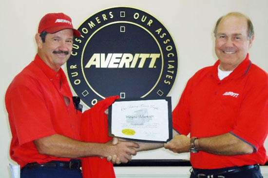 Averitt Honors Woodbury Associate for 20 Years of Service