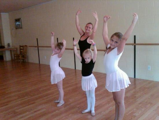 Cheer, Voice And Open Mic Night Return To Cannon Arts Dance Studio
