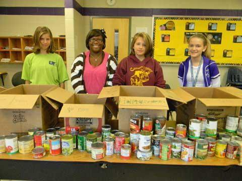 WGS 4-H Holds Food Drive