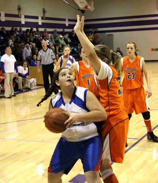Auburn Girls Stay Unbeaten, Win Girls Title