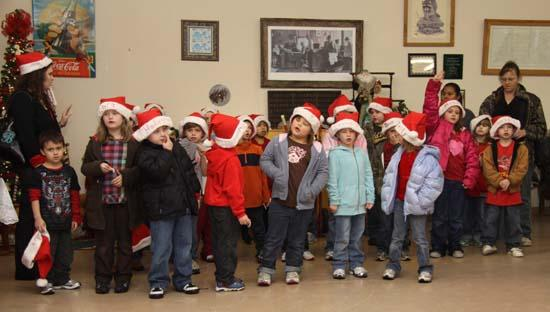 West Side Students Spread Holiday Cheer