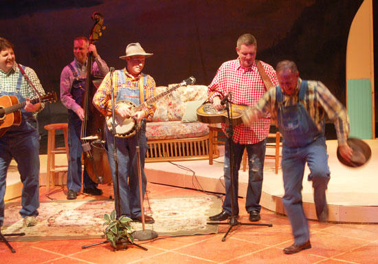 Tennessee Mafia Jug Band Provides Old-Timey Country Music