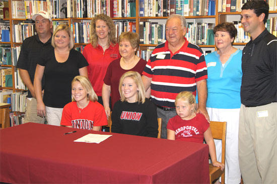 Sissom Signs With Union University