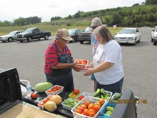 Farmers Market To Feature Local Favorites Saturday
