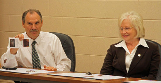 Cobbs Present 'Jobs Plan' For Cannon County