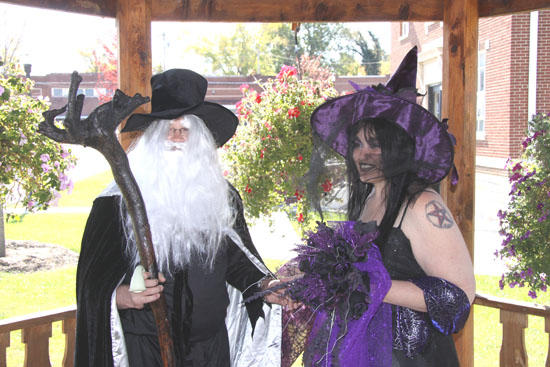 Witch Weds In Woodbury