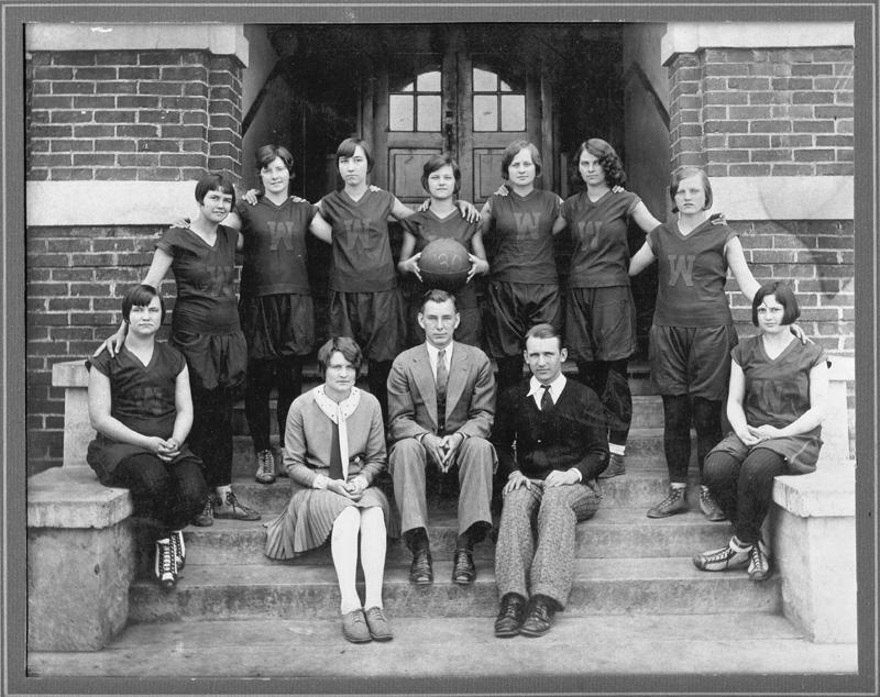 Woodbury High Girls Basketball Team In 1930
