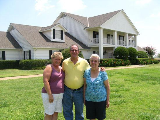 Leach Visits Famous 'Dallas' Ranch