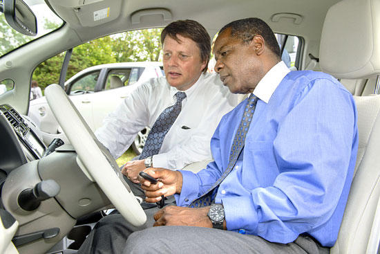 Nissan Donates LEAFs, Charging Stations To MTSU
