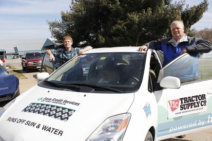 Woodbury man helps intercontinental test | Terry Young, Cliff Ricketts, hydrogen car, Ken Beck