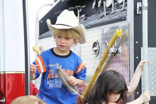 PHOTO GALLERY: Library Kids Tour 911 Call Center