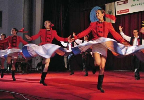 FolkFest Dances On With Old, New Favorites