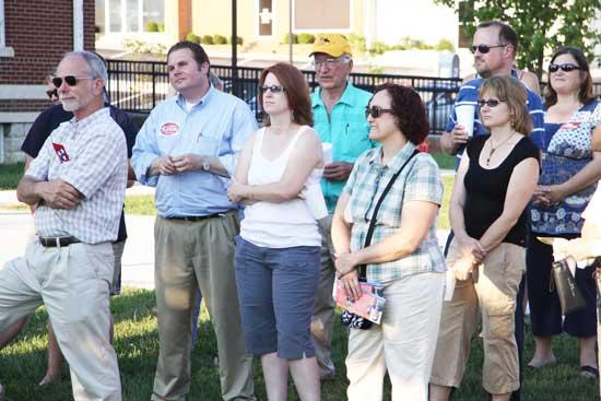 Leming, Givens Hold Rally At Courthouse