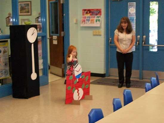 Auburn Kindergarteners Perform At PTO Meeting