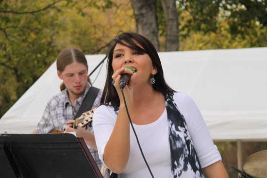 Music Rocks The Mill For United Way