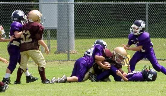 YOUTH FOOTBALL ACTION