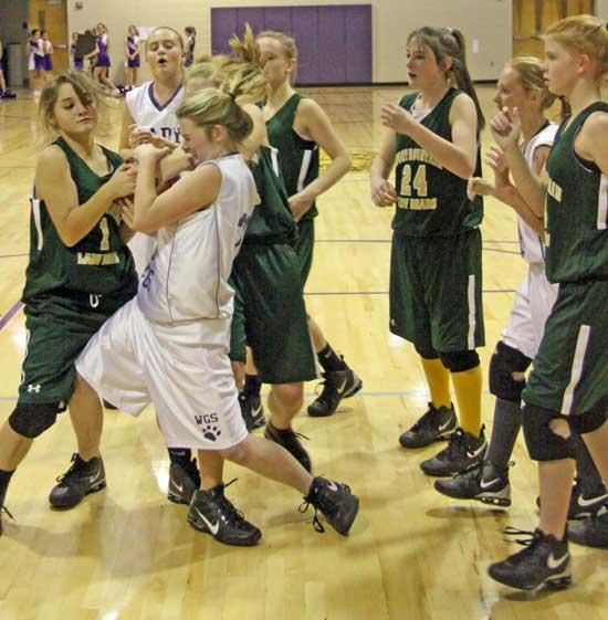 Lady Cubs Advance With Win Over Short Mountain