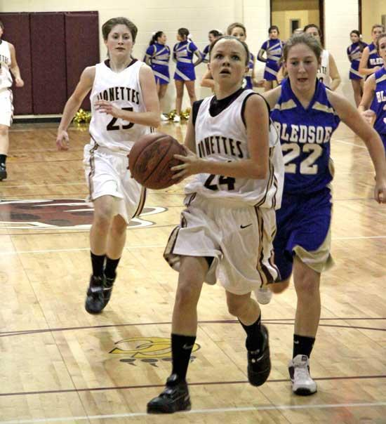 Lionettes Thump Bledsoe County, 72-29