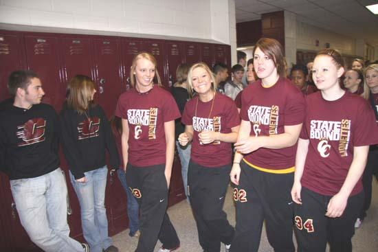 PHOTO GALLERY: Lionettes Leave For State Tournament