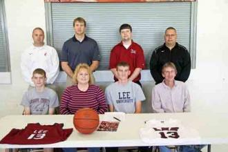 Nave Signs With Lee University