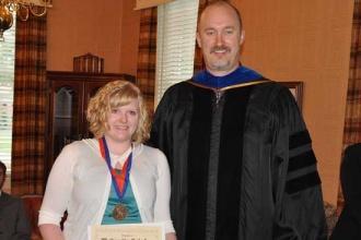 Woodbury Student Completes University Scholars Program