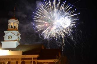 PHOTO GALLERY: Fireworks Over Woodbury