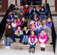 Girl Scouts Decorate Courthouse Tree