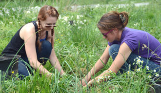 MTSU Class Plants Trees To Improve River's Water Quality
