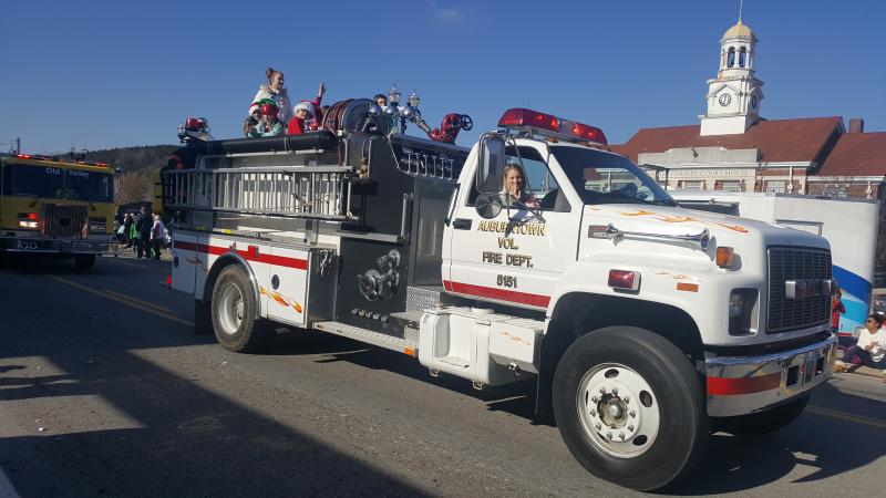 Woodbury Lions Club Christmas Parade Pictures