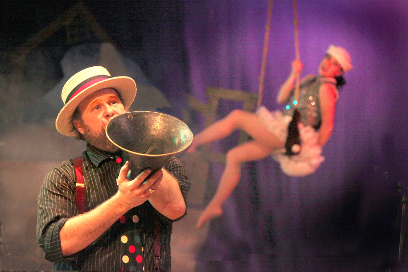Vaudeville Christmas coming to town