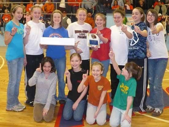 Auburn Lady Knights, Woodland Warriors win B-Team Tournament