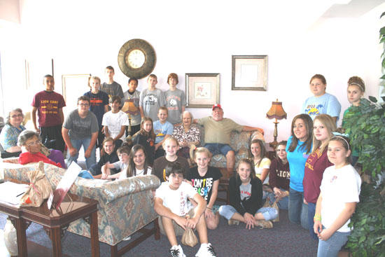 West Side Jr. Beta Club Visits Holiday House