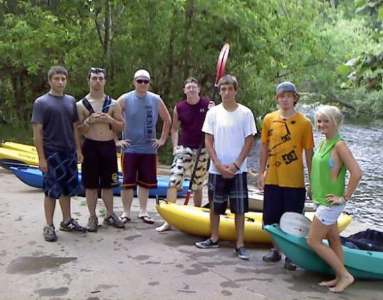 CCHS Outdoor Club Paddles Stones River Greenway