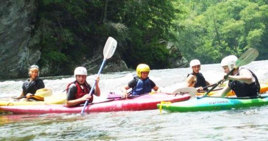 Cannon County Outdoor Club Paddles The Hiwassee