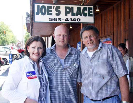 Political 'Rock Star' Campaigns For Zelenik At Joe's Place