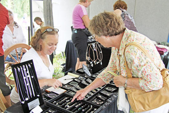 Arts & Crafts: White Oak Features Top Artisans