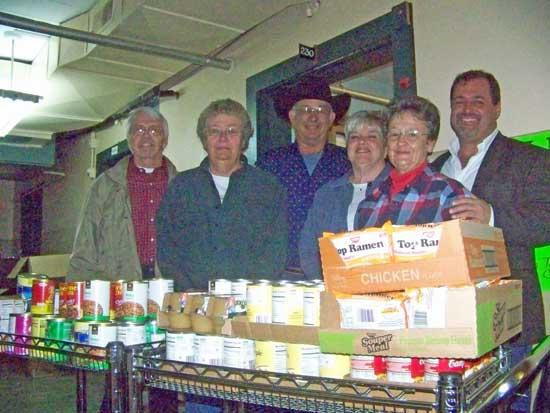Cannon REALTORS® Join Together To Feed Families For Thanksgiving